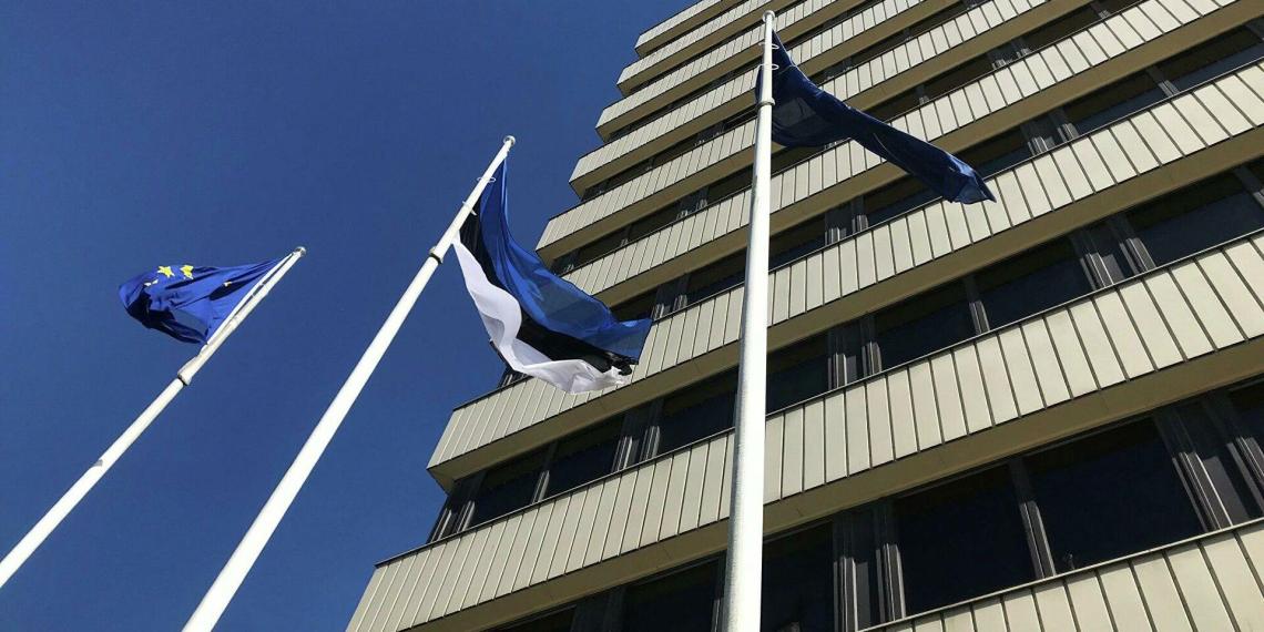 Эстония объяснила, почему отказала российскому дипломату в визе