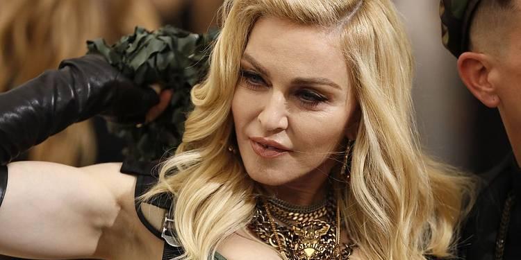 Мадонна выдумала штраф в России на $1 млн за пропаганду ЛГБТ и похвасталась им в соцсетях