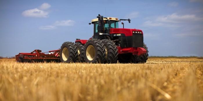 Бизнесмен продал МВД китайские тракторы под видом российских