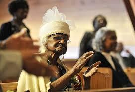Старейшей жительницей планеты стала 115-летняя любительница боулинга