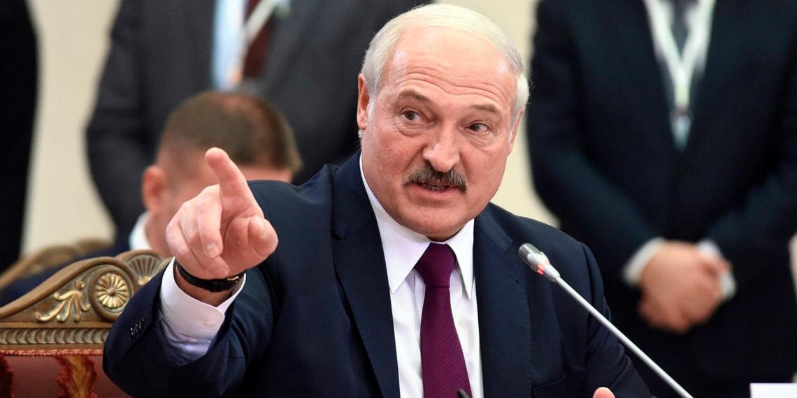 Лукашенко назвал предателями