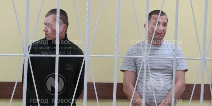 Два жителя Новокузнецка пригласили незнакомую девушку выпить, а затем ей же и закусили