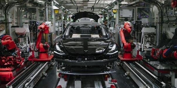 Губернатор Калужской области предложил Илону Маску построить в регионе завод Tesla
