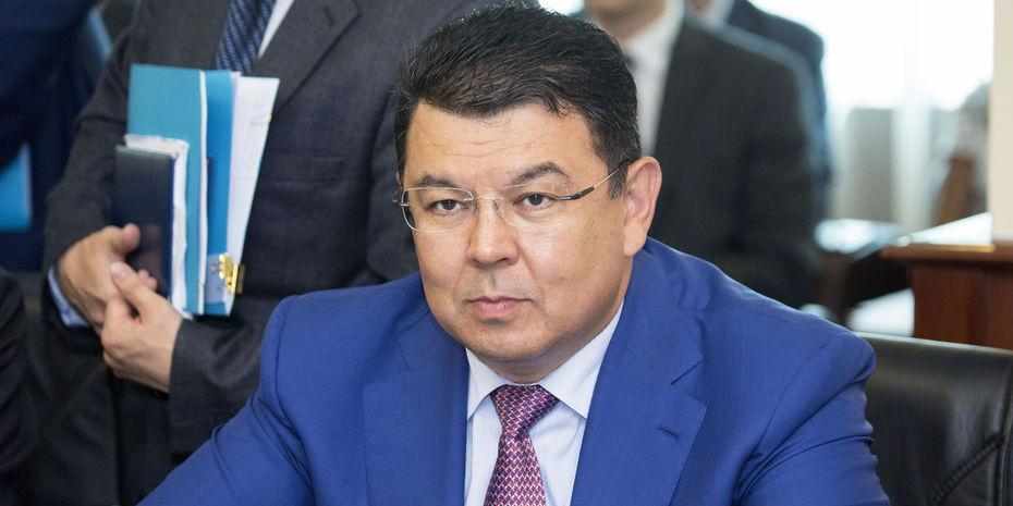 Казахстан планирует отказаться от российского бензина