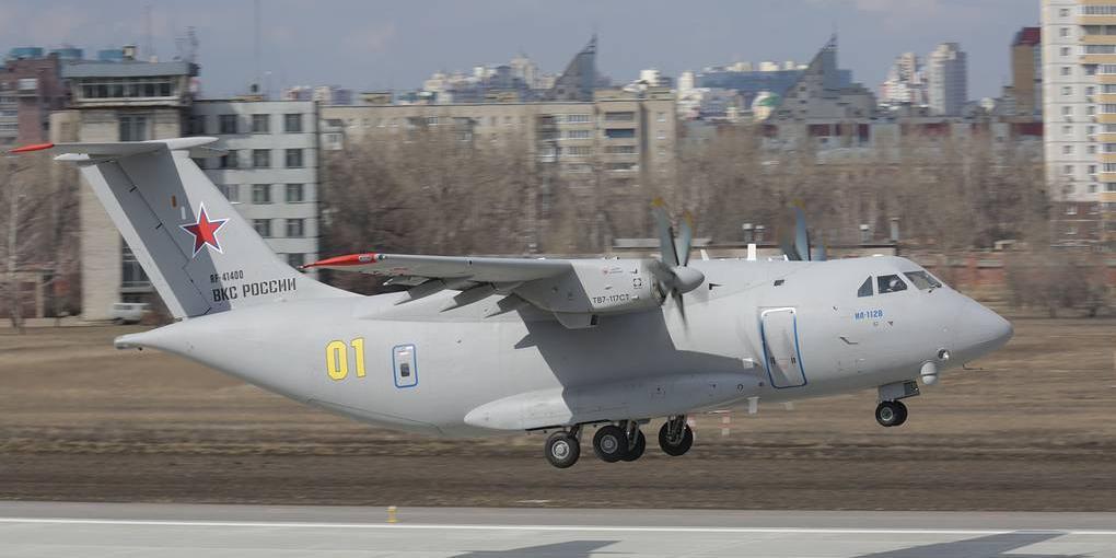 В России успешно испытали облегченный Ил-112В