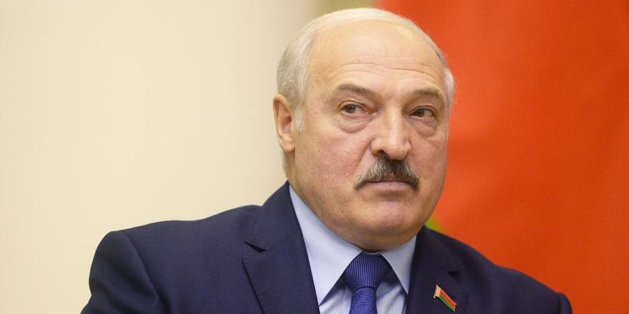 """""""Кто прикоснется к военнослужащему, уйдет без руки"""": Лукашенко потребовал """"не брать в плен"""" протестующих"""