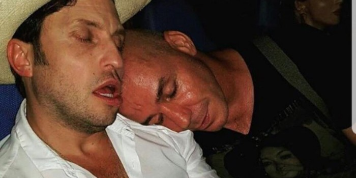 Солиста Rammstein засняли пьющим водку с Лепсом и Газмановым