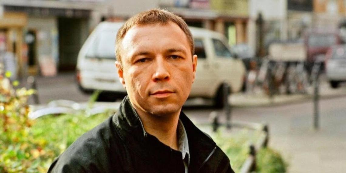 СМИ обнародовали свежие фото Пелевина, не появлявшегося на публике 20 лет