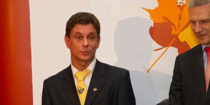 Лучшего учителя России-2007 уволили за отказ подделать оценки