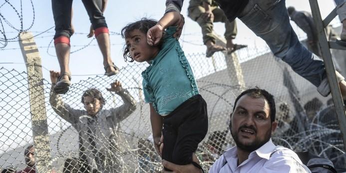 Британские СМИ сообщили, что Турция расстреливает беженцев на границе с Сирией