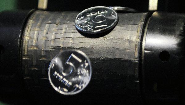 Аналитики в недоумении: темпы падения рубля невозможно объяснить