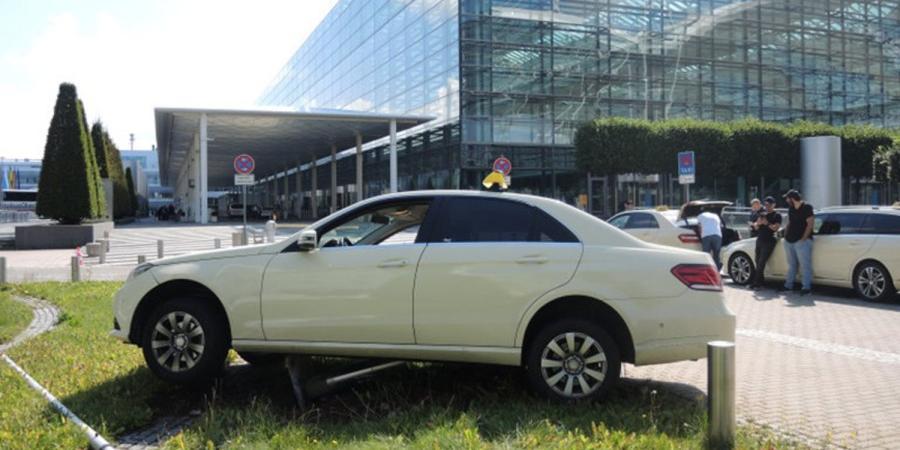 Не справился с коробкой: военный США в Германии не смог угнать Mercedes у таксиста