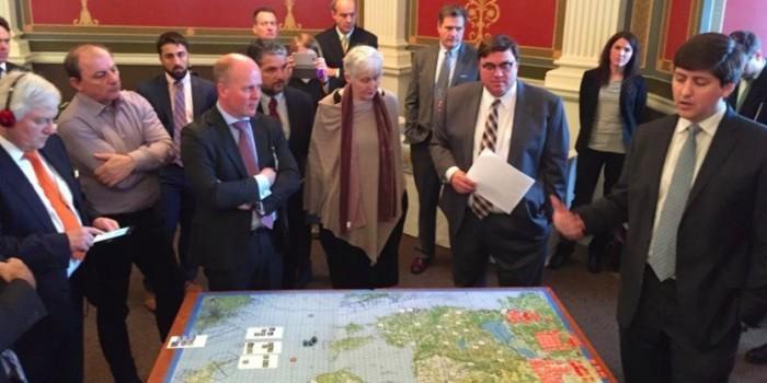 Американские конгрессмены на картах сыграли в защиту Прибалтики от вторжения России
