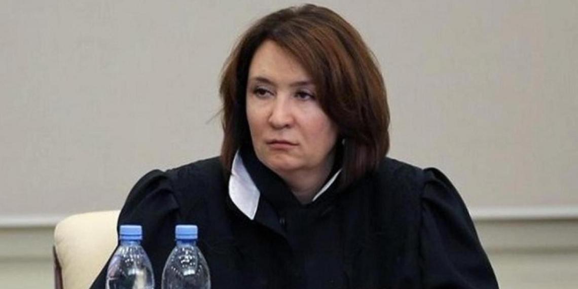 """Золотая"" судья Хахалева отказалась раскрыть доходы"