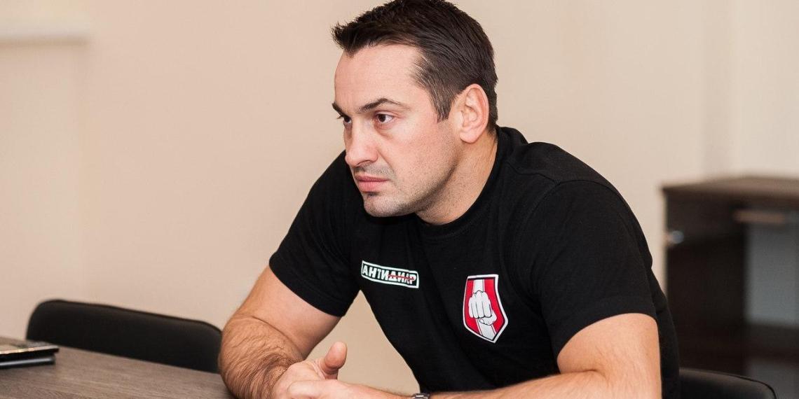 """Называвший """"несолидными"""" заявления в полицию экс-депутат Носов написал донос на Харитонова в прокуратуру"""