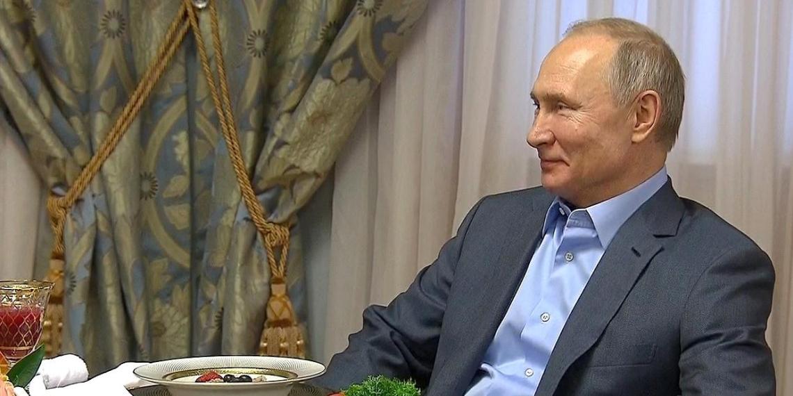 """В Италии оценили позицию Путина по """"папе и маме"""""""