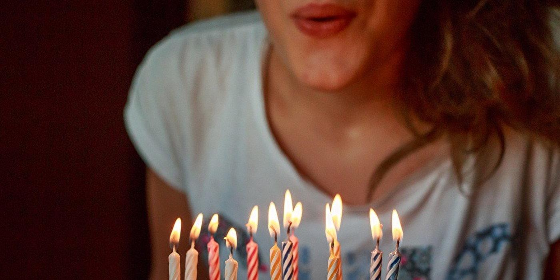 Россияне не любят отмечать свой день рождения, но все равно его празднуют