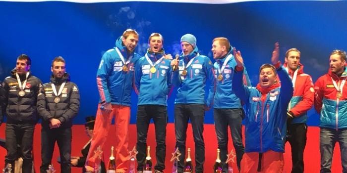 Организаторы ЧМ по биатлону перепутали гимн России, спортсмены спели а капелла