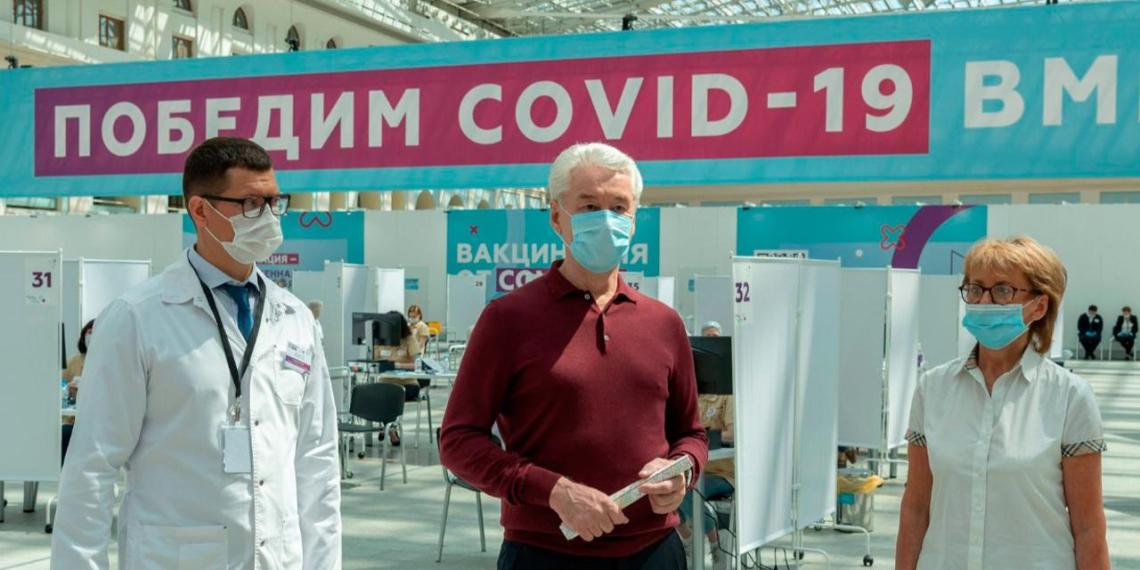Собянин открыл один из крупнейших прививочных центров в Европе