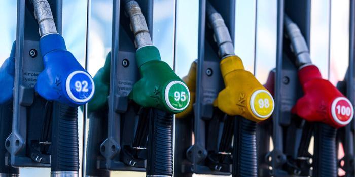 Бензин в России подорожает, несмотря на падение цен на нефть