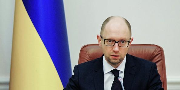 Яценюк пообещал судиться с Россией из-за украинского госдолга
