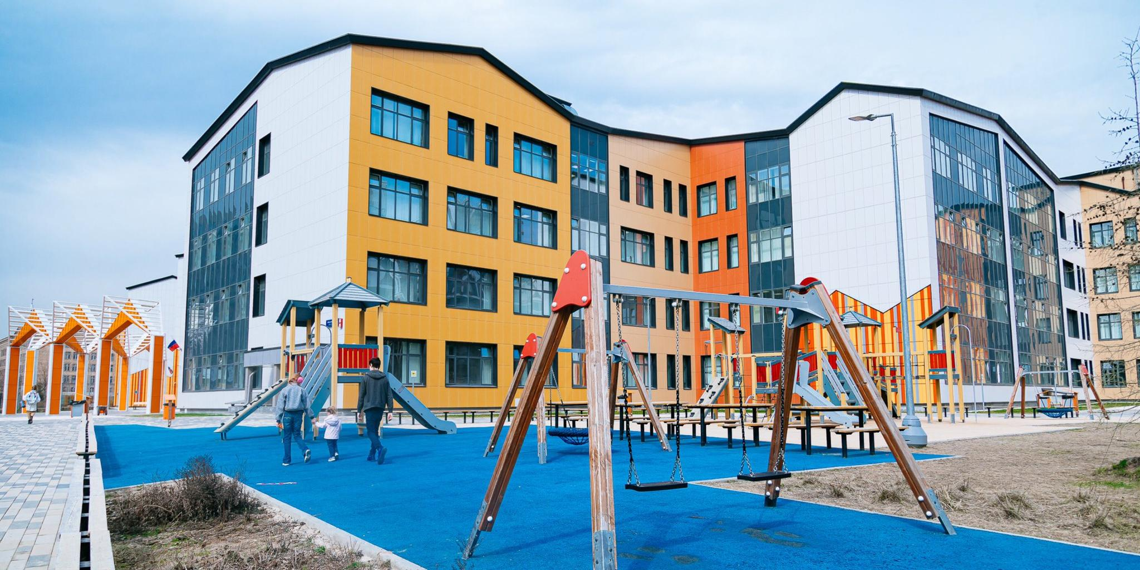 Мэр Москвы рассказал о благоустройстве школьных дворов