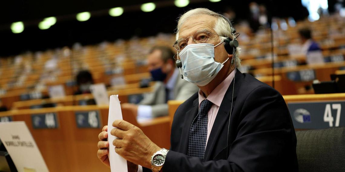"""Глава европейской дипломатии призывает не создавать """"стену молчания"""" с Россией"""