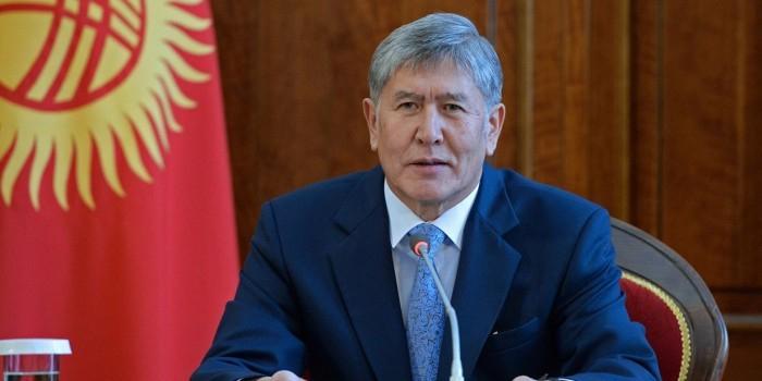 Атамбаев отказался продлить договор о размещении российских войск в Киргизии