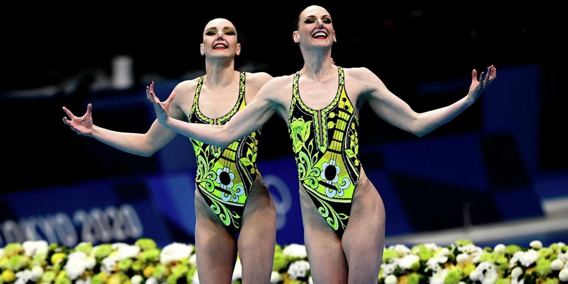 Синхронистки сборной России выиграли золото в соревнованиях дуэтов