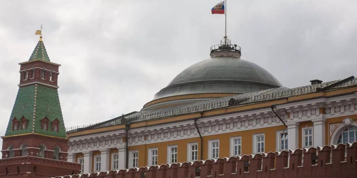 Путин продолжит контакты с Минздравом и спецслужбами по ситуации в Казани