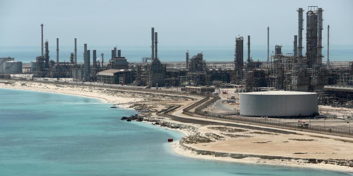 """Bloomberg предрек Саудовской Аравии """"невероятный кризис"""""""