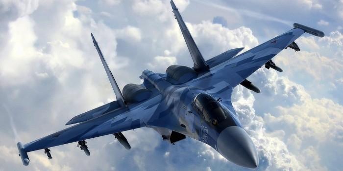 """Российский Су-27 продемонстрировал """"бочку"""" возле американского самолета-разведчика"""