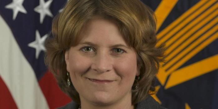 Экс-чиновница администрации Обамы предложила свергнуть Трампа военным переворотом