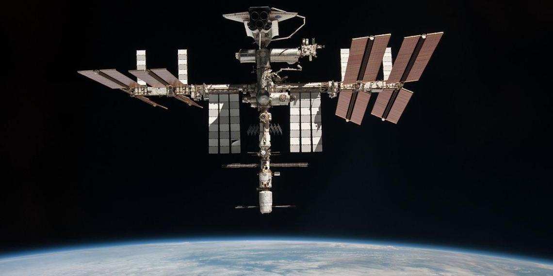 Российские космонавты выпили более 171 литра полученной из мочи воды