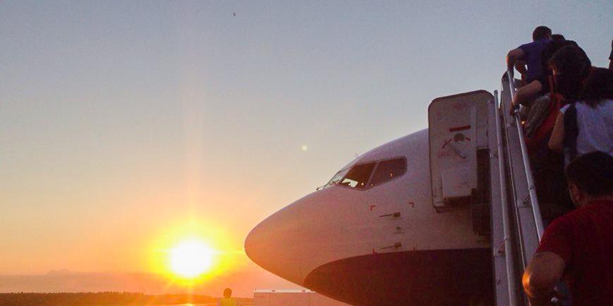 Правительство приостановит авиасообщение со всеми странами