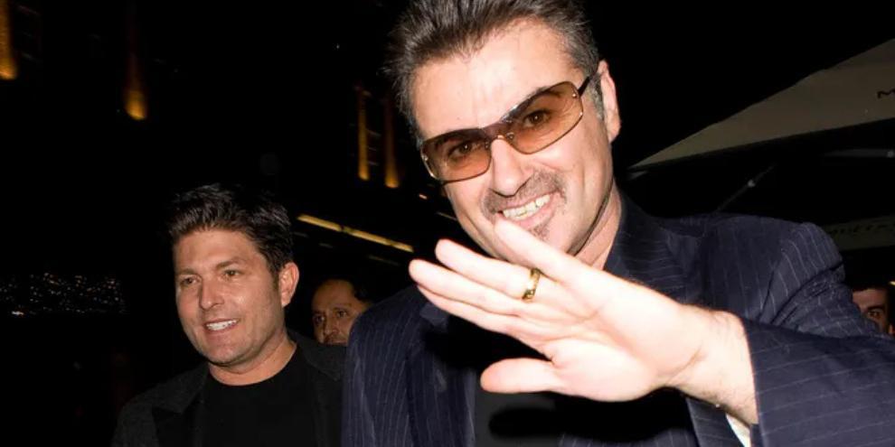 Экс-любовник Джорджа Майкла отсудил алименты у его семьи. Сам певец ему ничего не завещал
