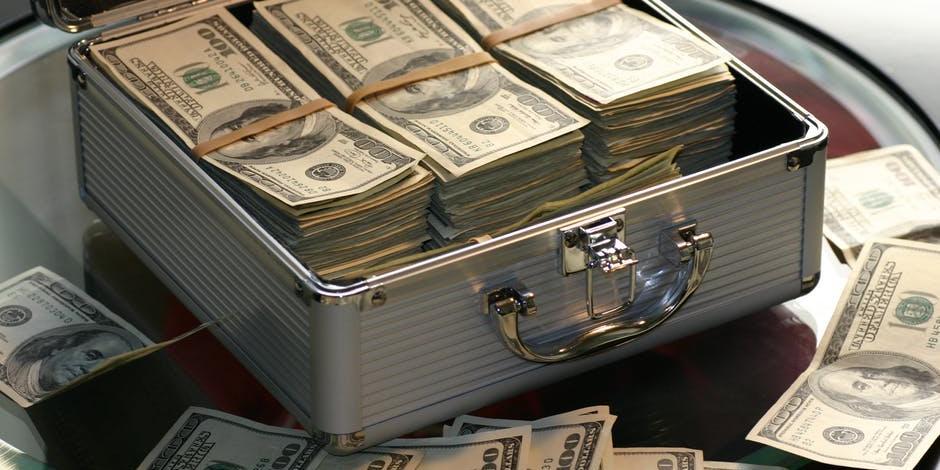 Центробанк хранит наличными $28 млрд – это 280 тонн