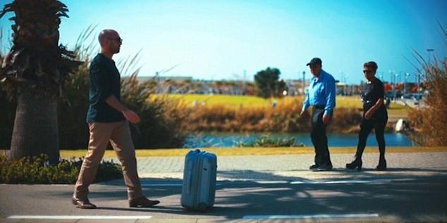 Разработан чемодан, который следует за своим владельцем как домашняя собака