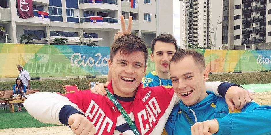 Украинский гимнаст пожаловался на угрозы из-за фото с российским спортсменом