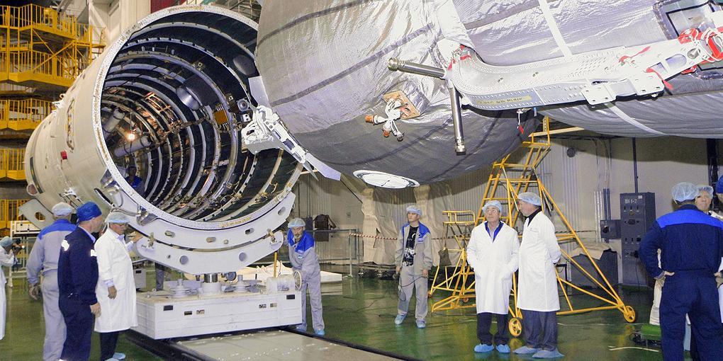 """""""Роскосмос"""" назвал сроки создания сверхтяжелой ракеты для покорения Луны и Марса"""