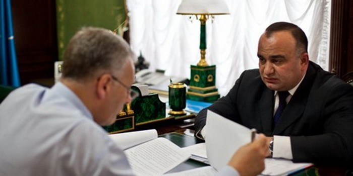 Экс-главу Курильского района приговорили к колонии за хищение 15 млн рублей