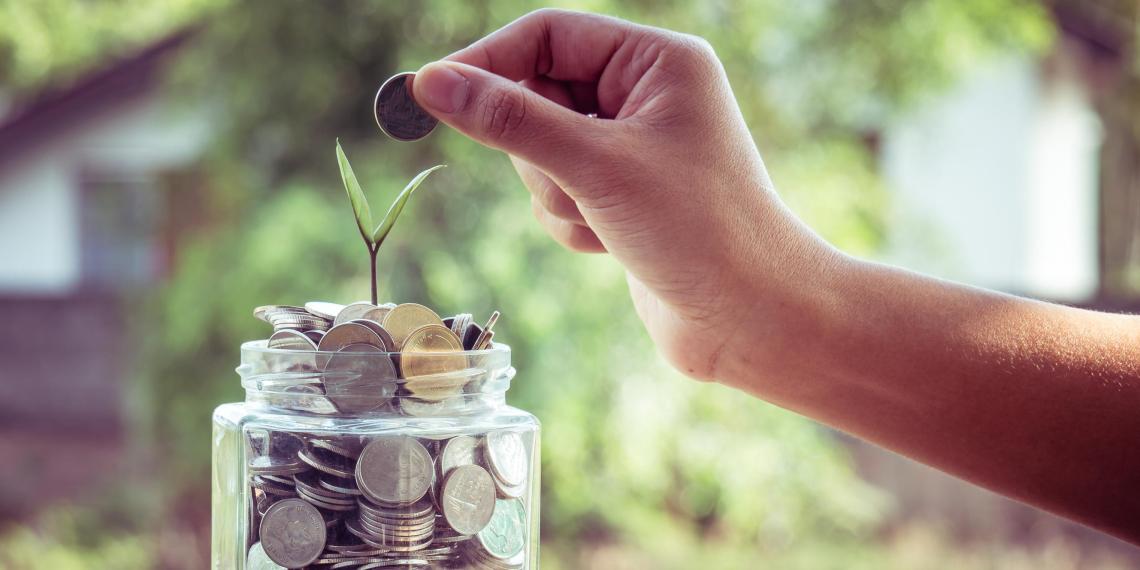 Назван способ накопить на пенсию в 100 тысяч рублей