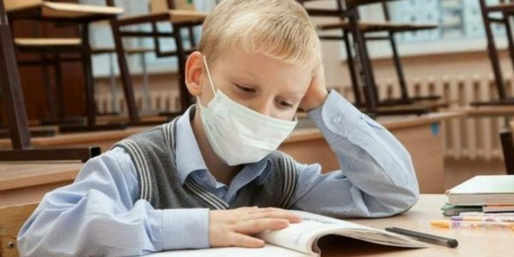 Детей с простудой прекратят пускать в школу или детсады