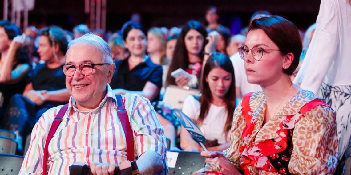 Петросян в день своего 75-летия впервые показал полугодовалого сына от молодой жены