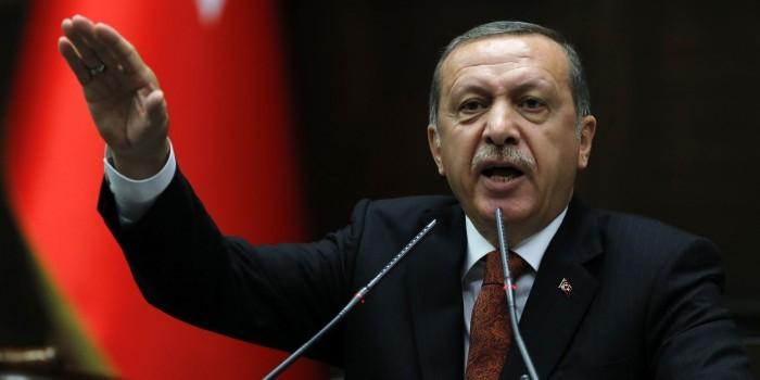 """Эрдоган нашел в Нидерландах """"остатки нацизма и фашизма"""""""