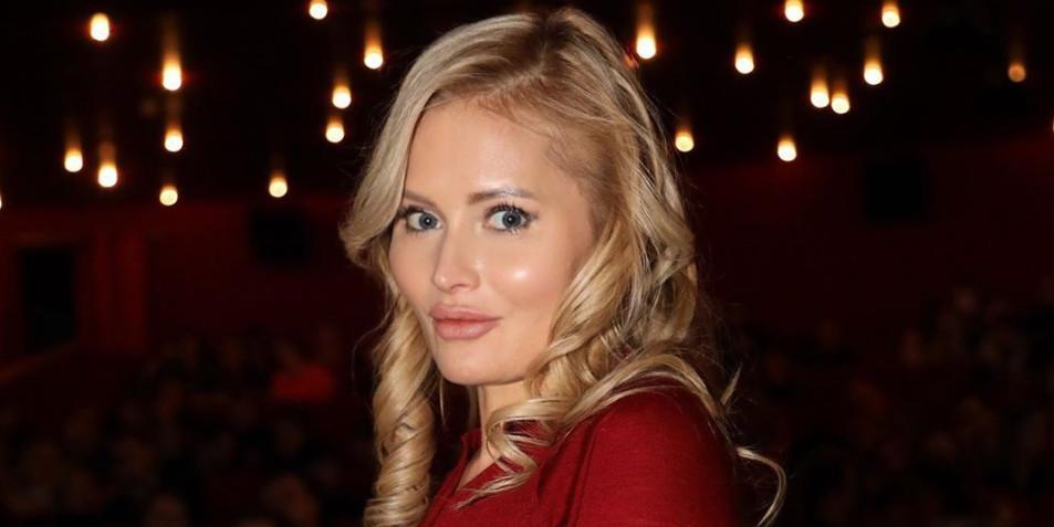 """""""Тема сисек раскрыта"""": Дана Борисова случайно засветила голые соски"""