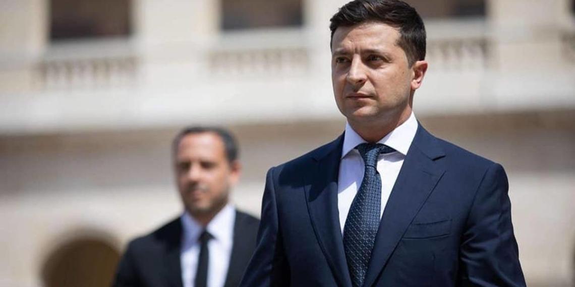 Зеленский призывает к отмене Минских соглашений