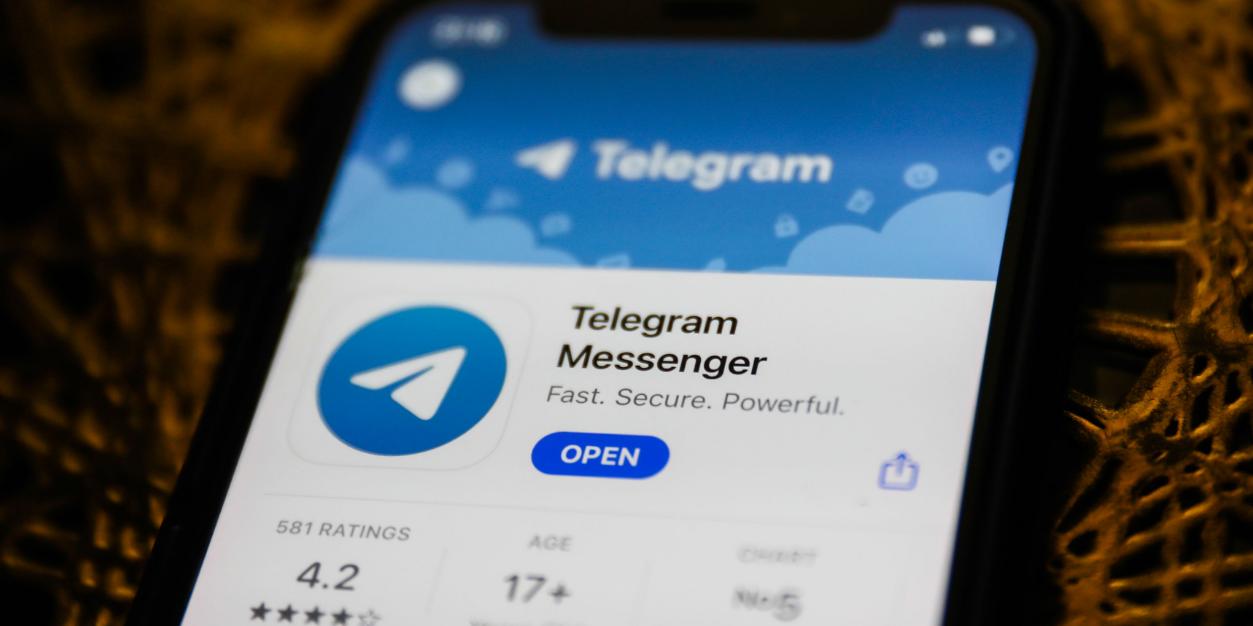 На фоне популярности Clubhouse Telegram запустил голосовые чаты в каналах