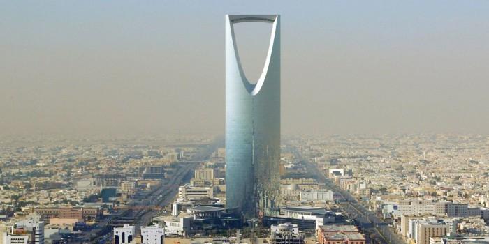 В Саудовской Аравии растут невыплаты по госконтрактам из-за низких цен на нефть
