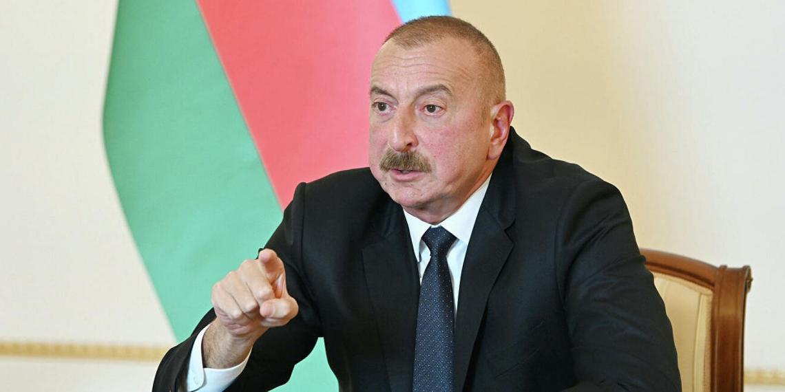 Алиев: из России в Армению идет контрабанда оружия частными Ил-76